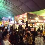 Riesiger Nachtmarkt